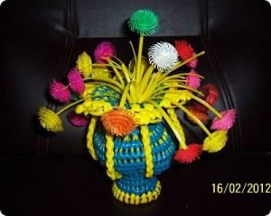 Memories from the past: Making a Flower Vase using plastic wires! – Part 3